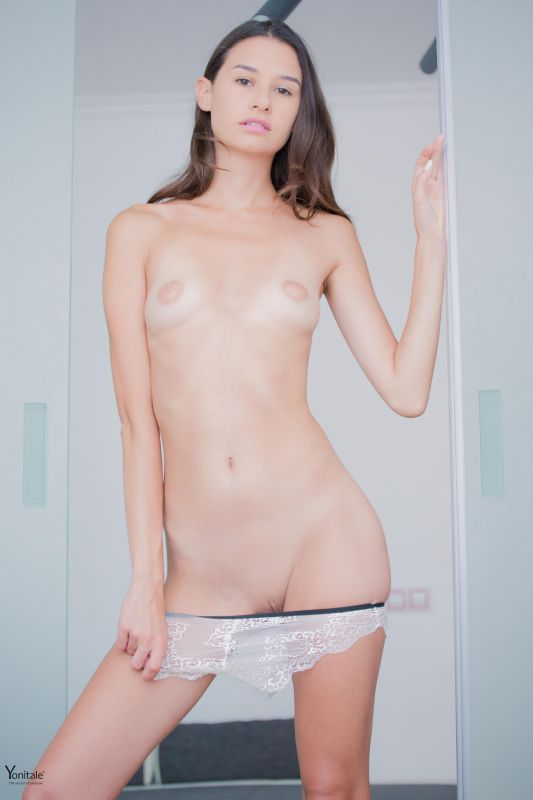 Christin Y - Sweetness - x67 - 4800px (4 Sep, 2018)