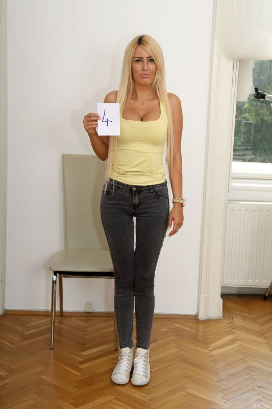 Blanche Summer - Budapest 2018 Casting - Model #4 - x21 (28.09.2018)