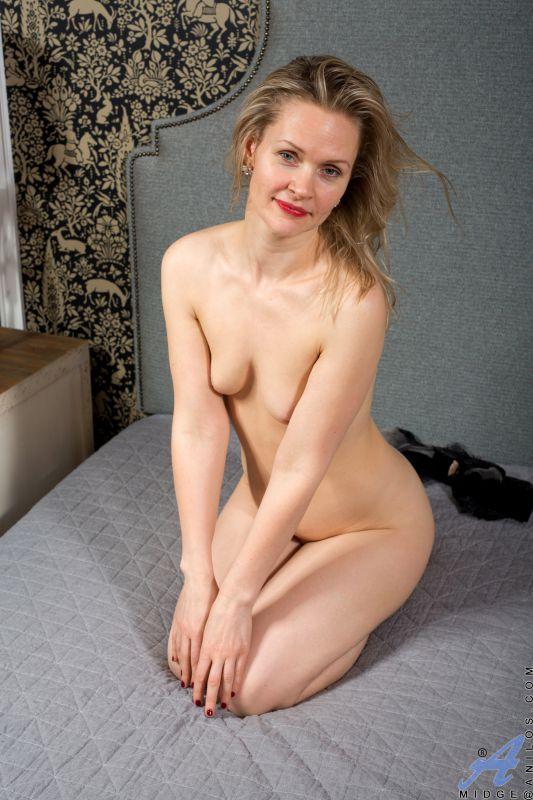 Midge - Feeling Sexy 112 pics 2400x3600 Nov 18, 2018