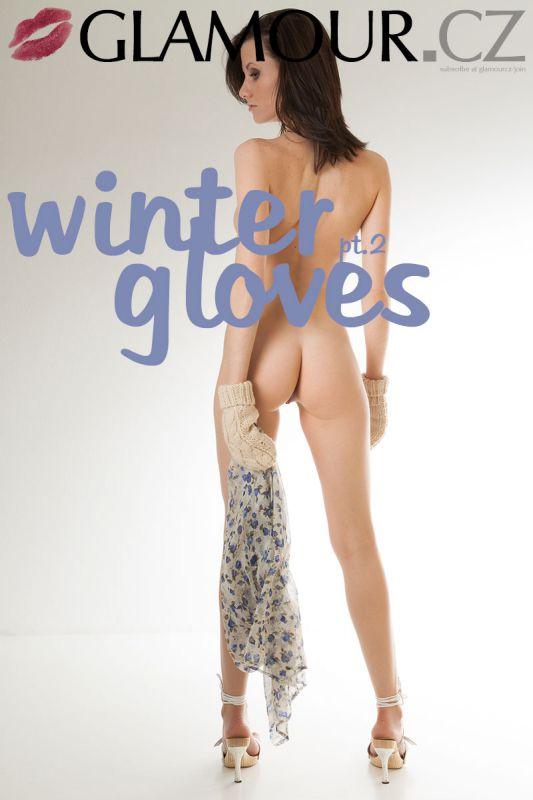 itka - Winter Gloves Pt.2 - x39 - 4000px (10 Nov, 2018)