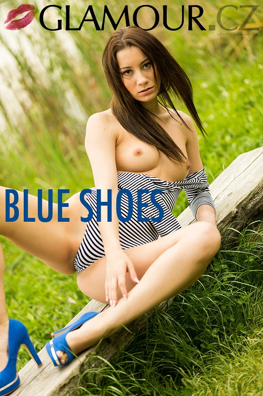 Ingrid - Blue Shoes - x41 - 4000px - Nov 18, 2018