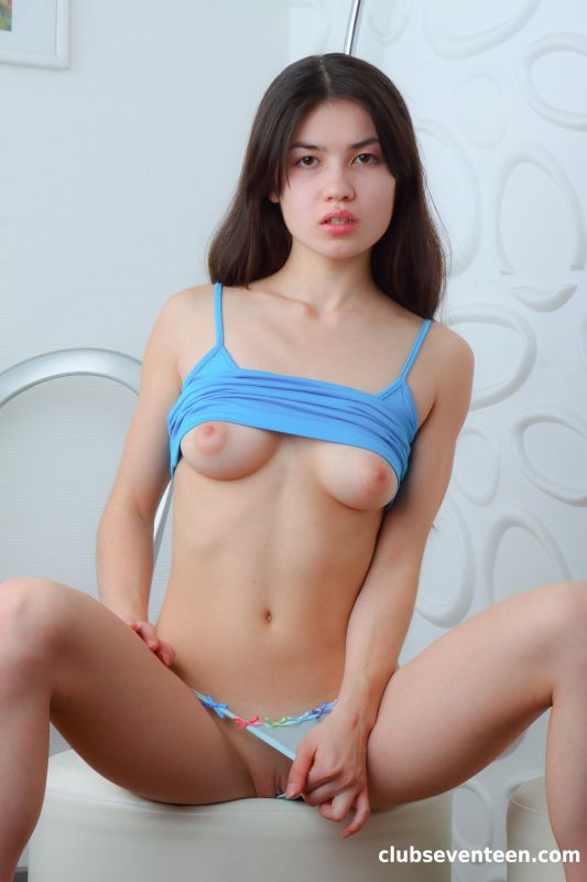 Nikol C - Pretty brunette showing her tight body 12/17/18