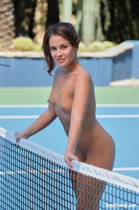 Emma Brown - Getting Naked On Tennis Court - x71 - 5184px (14 Jan, 2019)