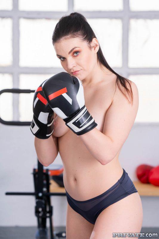 Hannah Vivienne - Anal Punishment for Disobedient Boxer | 110x | 1600px | Feb 08, 2019
