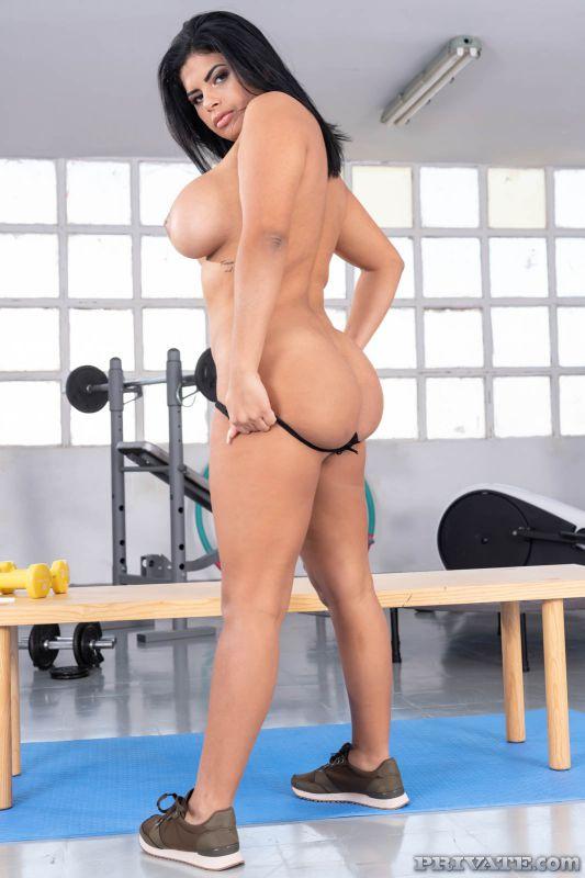 Sheila Ortega - Big Ass Latina Works up a Sweat | 114x | 1600px | Feb 09, 2019