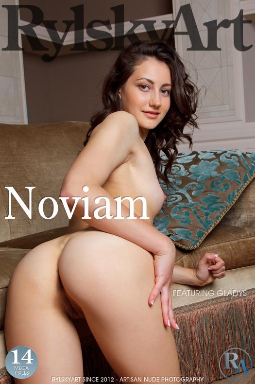 Gladys - Noviam - 4500px - 44 pictures (25 Apr, 2019)