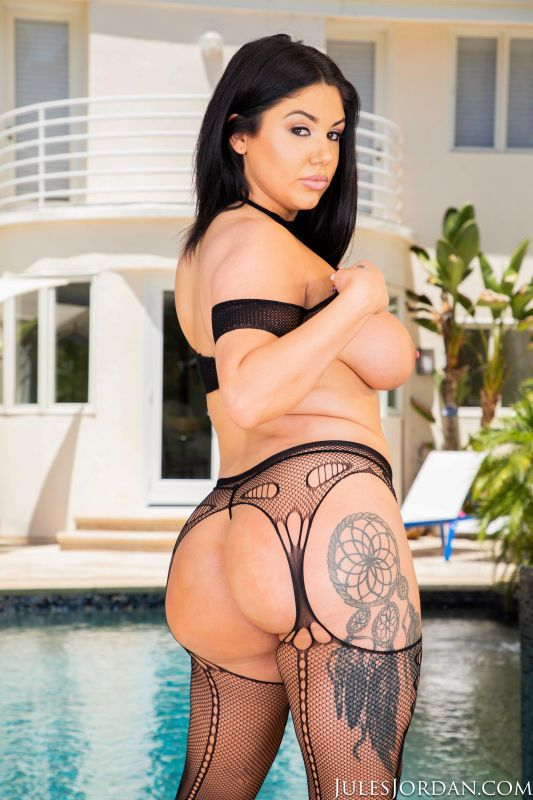 Samantha Staxx - Big butt slut Samantha Staxx is ready for porn   59x   1600px   Apr 30, 2019