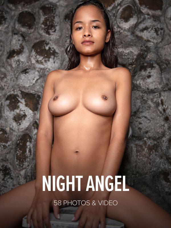 Liloo - Night Angel x59 8688px (05-05-2019)