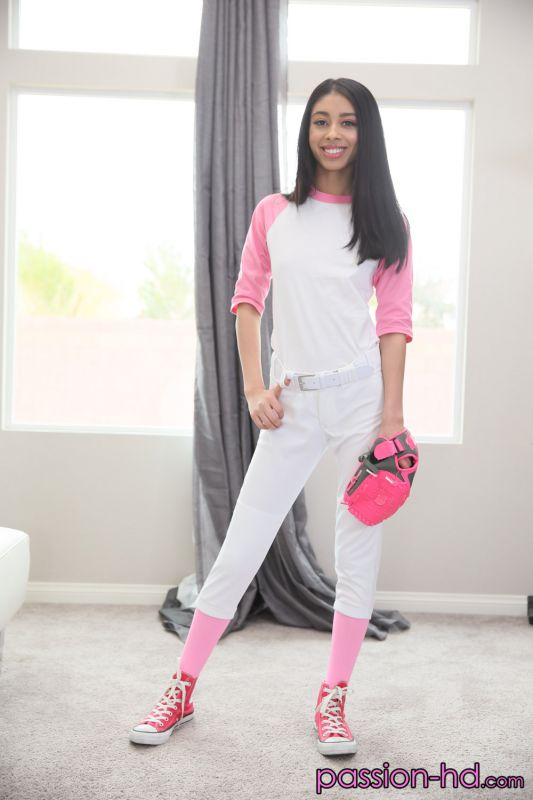Jada Doll - Couch Coach   50x   1500px   May 08, 2019