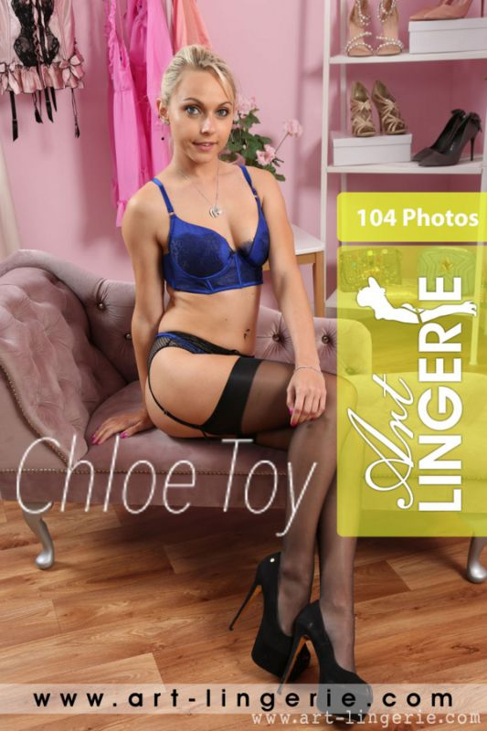 Chloe Toy - Set #9253 - 5600px - 104X (09-06-2019)