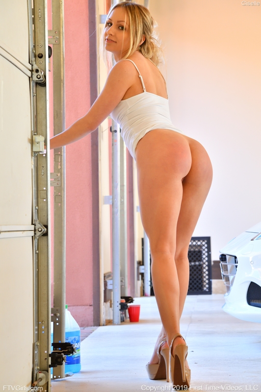 Giselle - Sexy In White - 4000px - x96 (May 26, 2019)