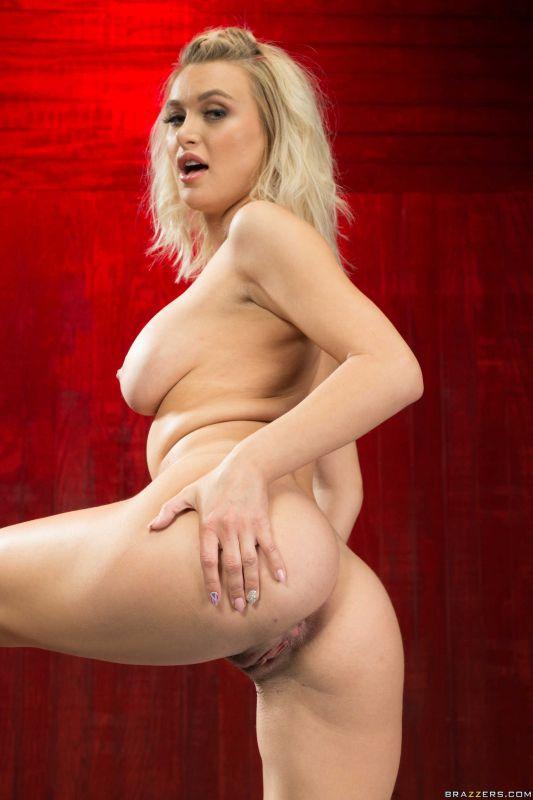 Natalia Starr - Red Hot Yoga - 2500px - 166X (19-07-2019)
