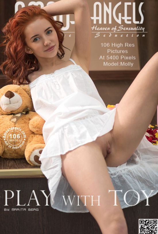 Molly - Play With Toy (x106)